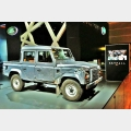 Defender Double Cab Pick Up guidato dall'agente operativo Eve nel nuovo film di James Bond, SKYFALL™