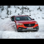 "Opel Insignia è ""All-Wheel Drive Car Of The Year 2019�"
