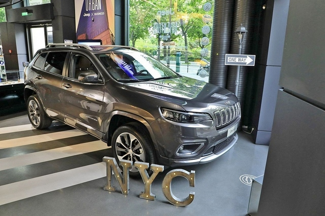 Jeep® Adventure: al MotorVillage di Parigi