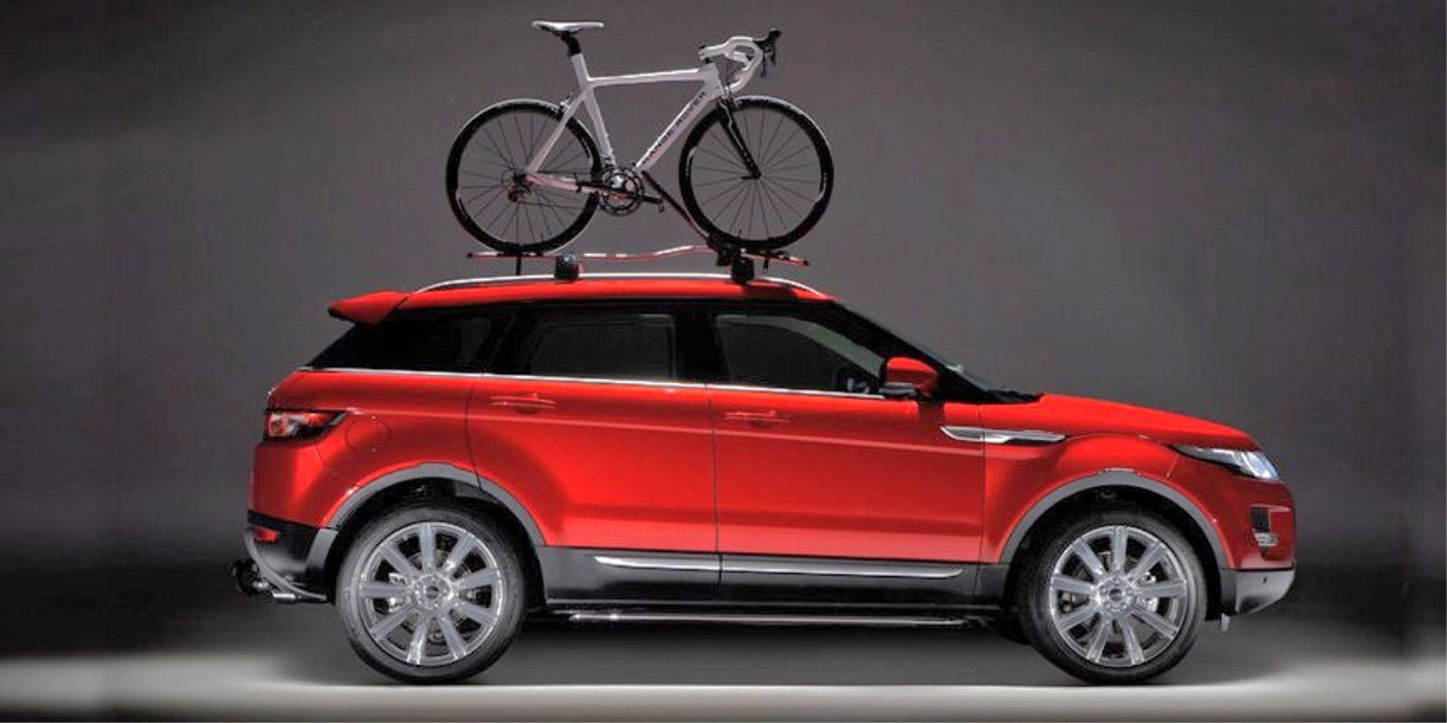 concept bike stradale per la range rover evoque. Black Bedroom Furniture Sets. Home Design Ideas