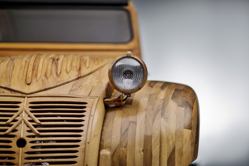 Citroen 2CV in legno (Museo Virtuale Citroen Origins)