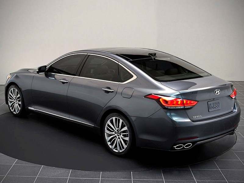 nuova hyundai genesis awd naias 2013. Black Bedroom Furniture Sets. Home Design Ideas