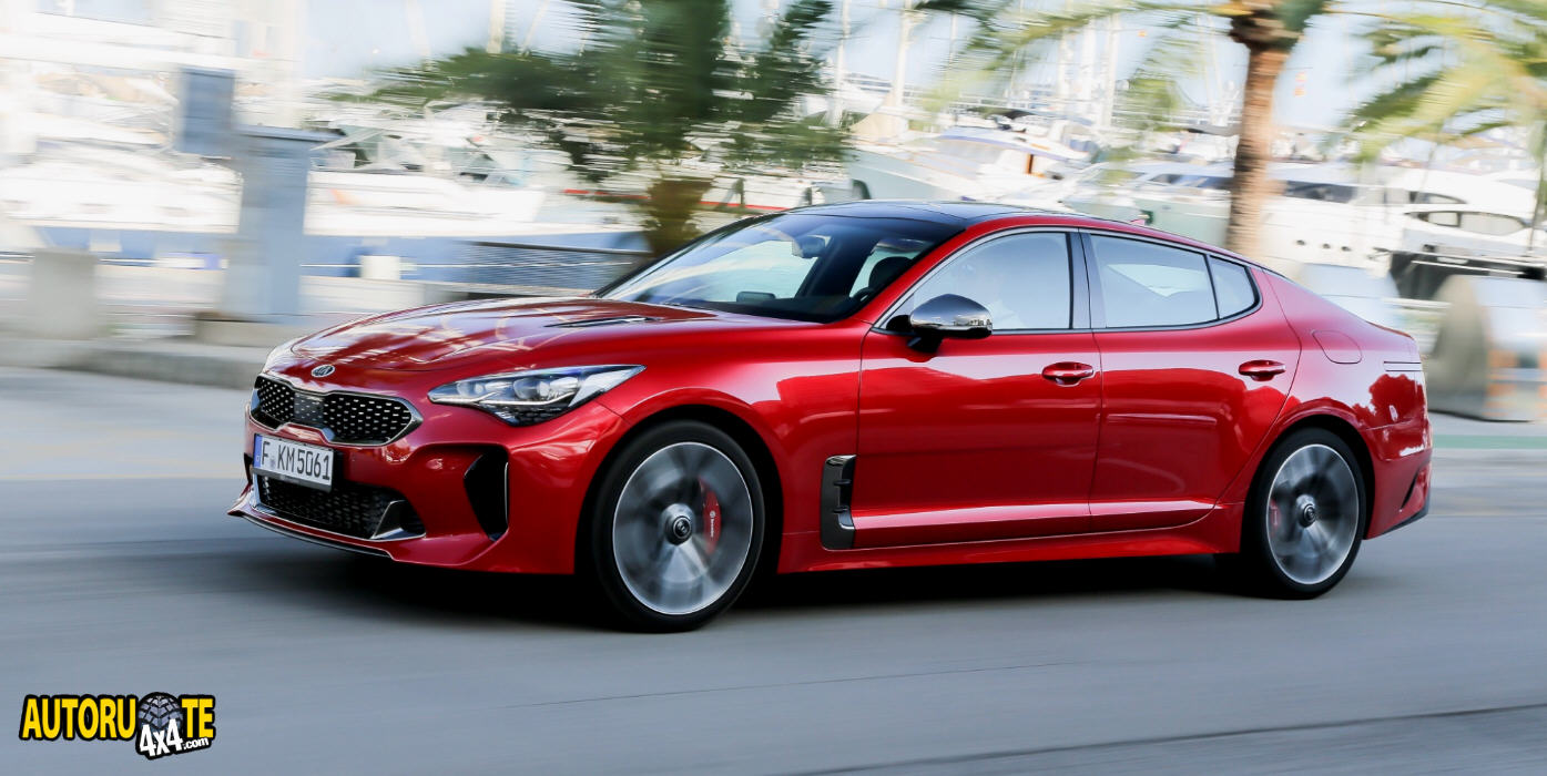 "Kia Stinger finalista nel ""Car of the Year 2018"""
