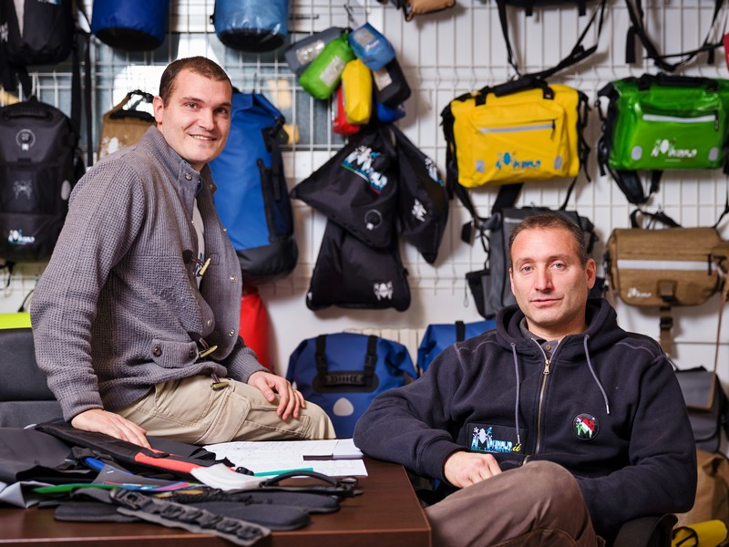 AMPHIBIOUS Dry Equipment: 100% waterproof - Riccardo e Daniele Fontana